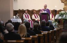 Una vintena de famílies assisteixen al funeral d'Estat per a les víctimes de la pandèmia