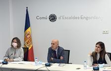 Rosa Gili, Joaquim Dolsa i Bea Pintos han presentat el pla d'ajuts