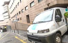 La irrupció de la segona onada de la pandèmia està enrarint el clima a l'hospital.