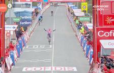 El resident Michael Woods s'imposa en un gran final a la setena etapa de la Vuelta