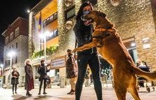Una cinquantena de persones protesten per la taxa per tenir gos