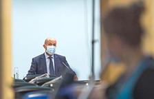 Els nous positius baixen a 33 i tres pacients de l'UCI es traslladen a planta