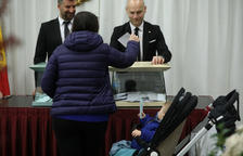 Accés restringit dels ciutadans amb vot a les meses electorals
