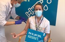 Professionals del SAAS vacunant-se avui divendres