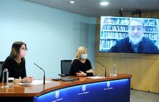 Riva, Planelles i l'artista Fontcuberta durant la roda de premsa de presentació.