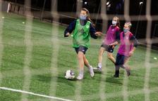 Les jugadores de l'Enfaf femení, en un dels darrers entrenaments abans del partit de demà contra el Palautordera.