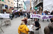 Manifestants durant el Dia de la dona de l'any passat.