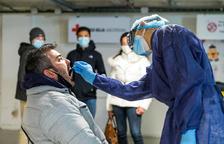 Un visitant francès fent-se una prova TMA subvencionada pel comú d'Encamp.