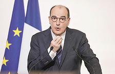 França manté el confinament davant l'agreujant situació pandèmica