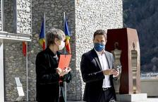 """López va a París per """"equilibrar les relacions internacionals"""""""