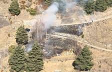 Els bombers apaguen un incendi a Segudet
