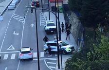 El cos d'ordre arresta un home a l'avinguda d'Enclar