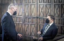 Els notaris Jordi París i Jordi Junyer juren el càrrec