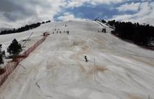 Esquiadors de la FAE formen part d'un estudi científic per a la UB