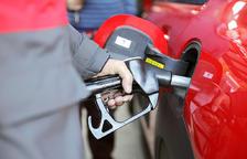 Les benzineres tindran fulls de signatures.