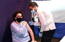 La ministra Pallarès rep la primera dosi de la vacuna
