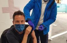 Els polítics passen a rebre la vacuna