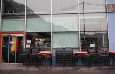 Els bars critiquen que no se'ls permeti obrir encara fins a les nou del vespre