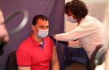 Gallardo i Torres es vacunen amb AstraZeneca