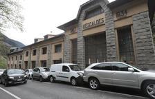 Xoc en cadena amb sis cotxes implicats al costat de la central de FEDA