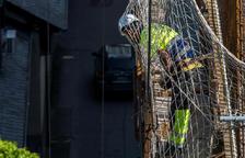 Un treballador de la construcció en una obra.