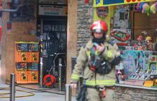 Els bombers sufoquen un foc en un edifici d'Escaldes