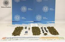 Detingut un traficant de 22 anys amb 508 grams de marihuana