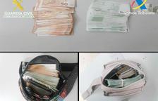 Els diners van ser comissats a la duana.
