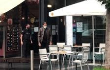 Els bombers desallotgen un restaurant d'Escaldes per un foc a la xemeneia