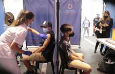 Salut inicia la vacunació d'un miler de joves entre 12 i 15 anys