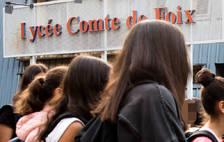 La polèmica del vel al Lycée s'estén a Govern