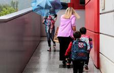 Creix la pressió sobre el sistema escolar amb 10 aules sota vigilància