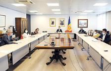 Els cònsols en una reunió amb el Govern.