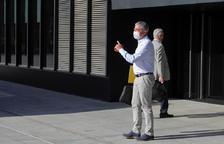L'exconseller delegat de BPA Joan Pau Miquel a les portes de la seu de la Justícia.