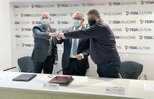 Signatura de l'acord entre FEDA i l'Adelca.