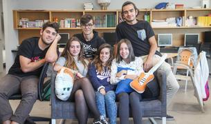 El grup de joves que va voler compartir les seves opinions sobre la música al Punt 400 de la Massana.
