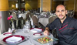 El xef del restaurantKronos, de l'Hotel Golden Tulip Fenix, Emanuel Rivas