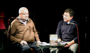 L'autor de 'El dinovè protocol' durant la presentació del llibre a La fada ignorant