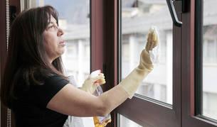 Fer les tasques de la llar I atendre els fills ocupen la major part del temps de les jornades d'Ema Osorio.