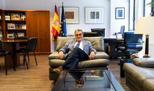 L'ambaixador d'Andorra a Espanya, Àngel Ros, al seu despatx.