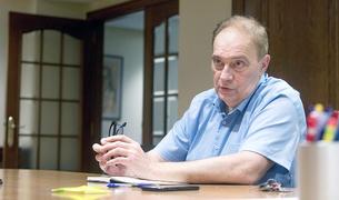 El líder de terceravia, Josep Pintat, al despatx a Sant Julià de Lòria, durant l'entrevista.