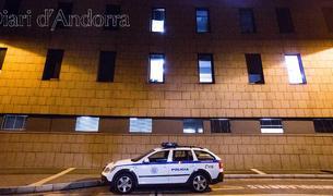 La policia, a l'entrada de l'hospital després del trasllat de Tcha-tokey.