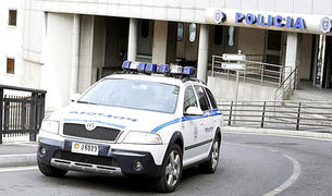 La policia ha detingut vuit persones per delictes amb drogues.