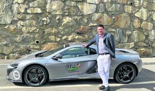 Paul Deep amb el cotxe amb el qual participarà al ral·li a final de juliol.