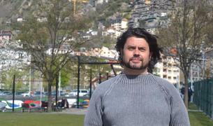 L'expresident d'Apapma Carles Iriarte, ahir al Prat del Roure.