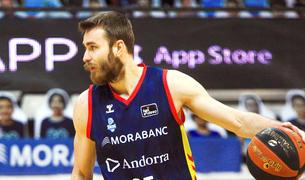 David Jelínek en el duel contra el Baxi Manresa al Poliesportiu d'Andorra.