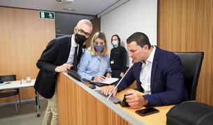El ministre Jordi Gallardo durant la compareixença d'ahir al Consell General.