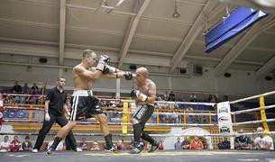 Freddy Calero a sobre del ring en una de les gales.