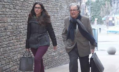 L'advocat Manuel Pujadas i una companya del seu bufet.