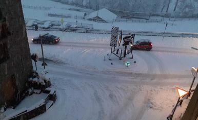 La família de Bet Cunill s'ha quedat a casa per la neu acumulada a tot Ordino